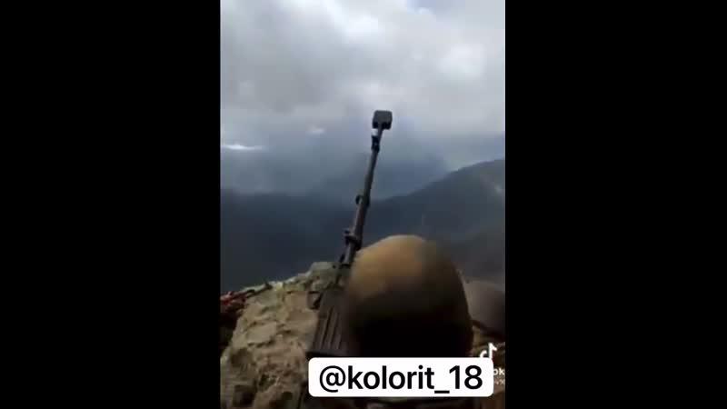 🇦🇿Азербайджанские солдаты бьют с взятых высот по убегающим с позиций армянам
