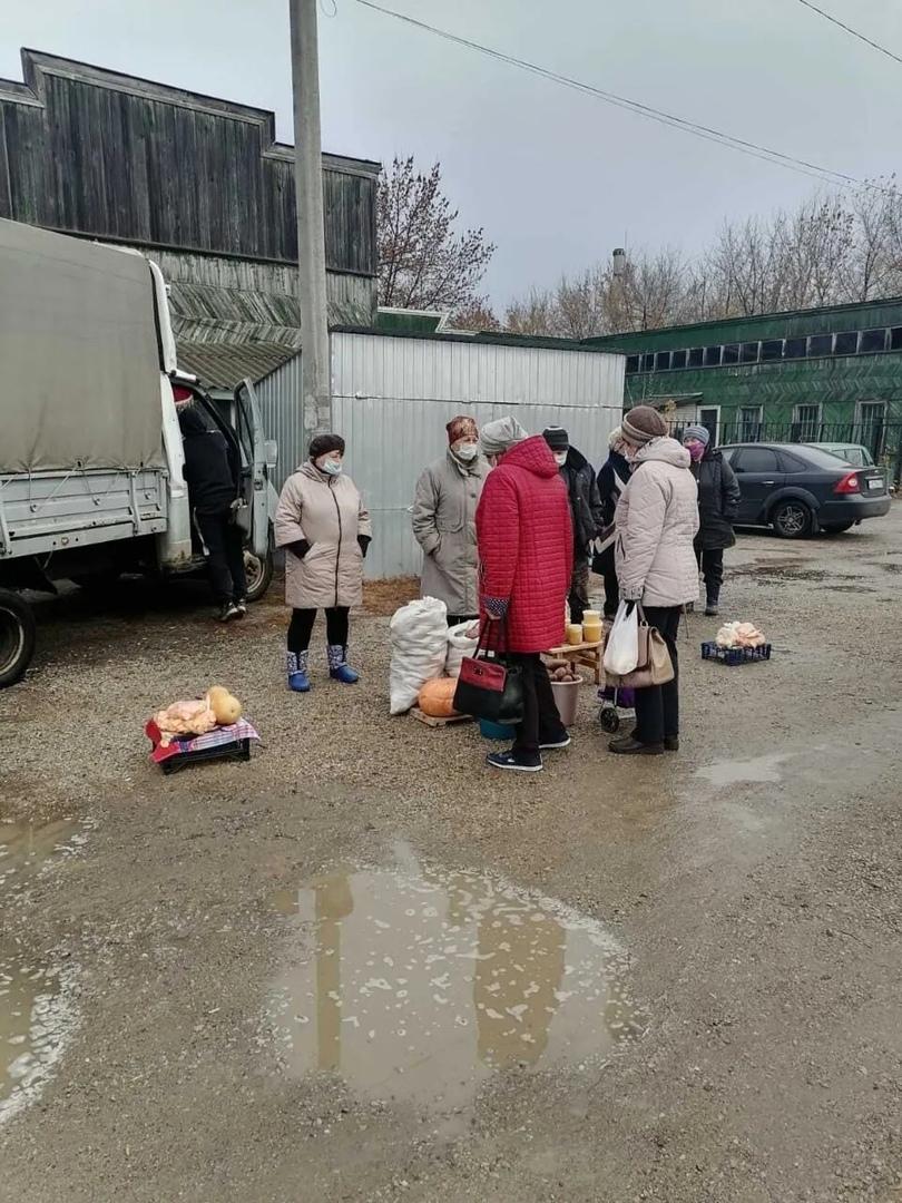 В Петровске продолжаются контрольные рейды по соблюдению масочного режима на объектах торговли
