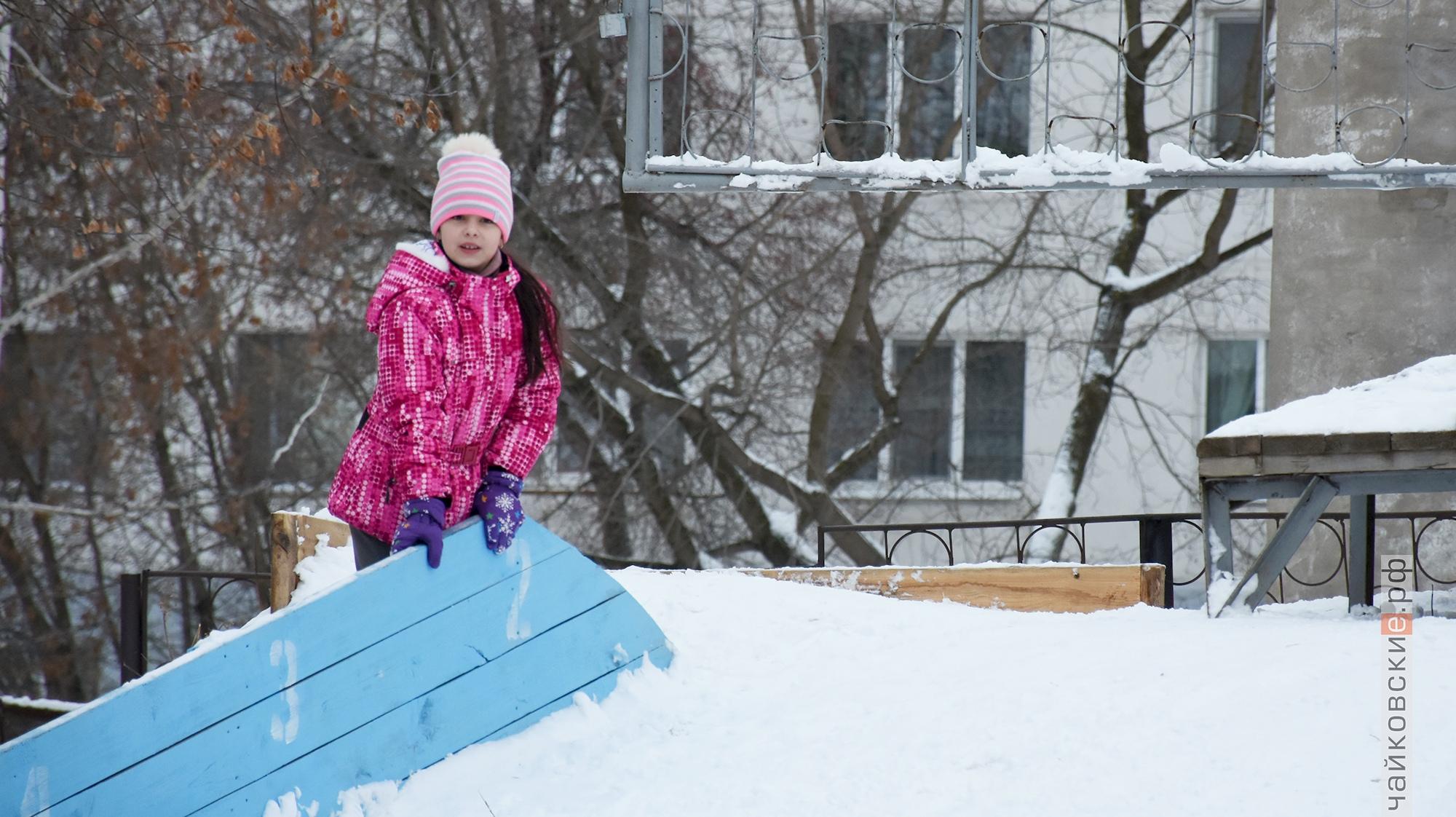прыжки с трамплина, рождественская снежинка, чайковский район, 2020 год