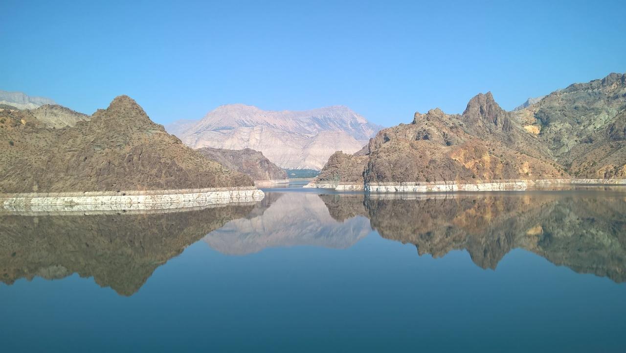 Красивое водохранилище на дороге Юсуфели-Олур