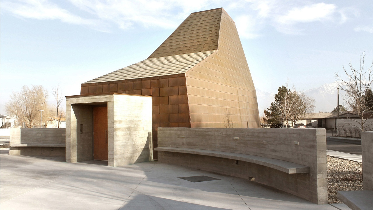 Sparano   Mooney creates sculptural Catholic chapel for Utah mining town