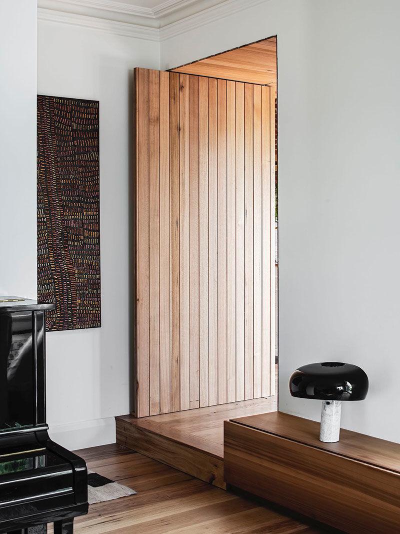 Слишком много дерева не бывает: небольшой современный коттедж в Мельбурне || 01