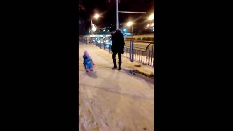 Дочь Аннушка 1 год и 3 мес Новый год 2020
