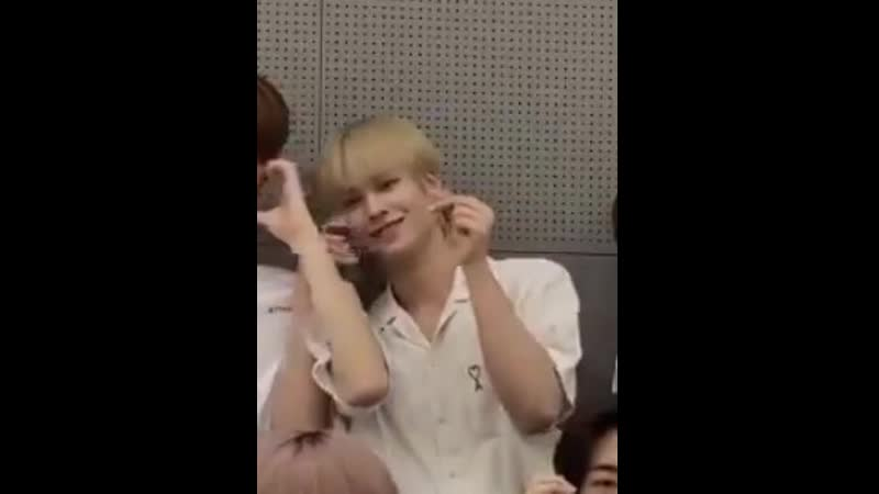 The way Selm linked his arm around Minhee's to do his finger heart I'm soft