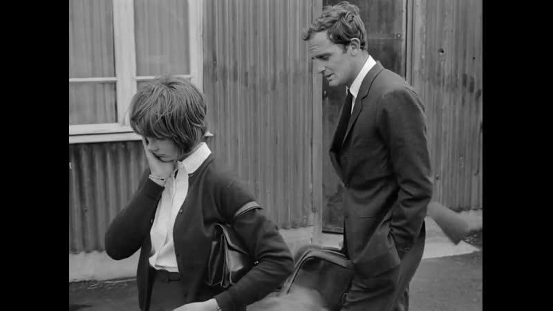 Замужняя женщина Une femme mariée Suite de fragments d'un film tourné en 1964 режиссер Жан Люк Годар