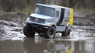 Самодельный mercedes unimog 4x4 в грязи.  Обзор.  RC Trucks Mud Off Road Adventure. Грузовик 4х4