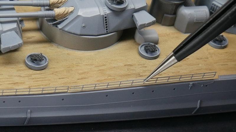 Yamato 1 700 Kontynuacja budowy relingi szalupy i ostatnie detale
