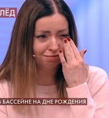 В Московских клубах изобрели новый коктейль, Екатерина Диденко.