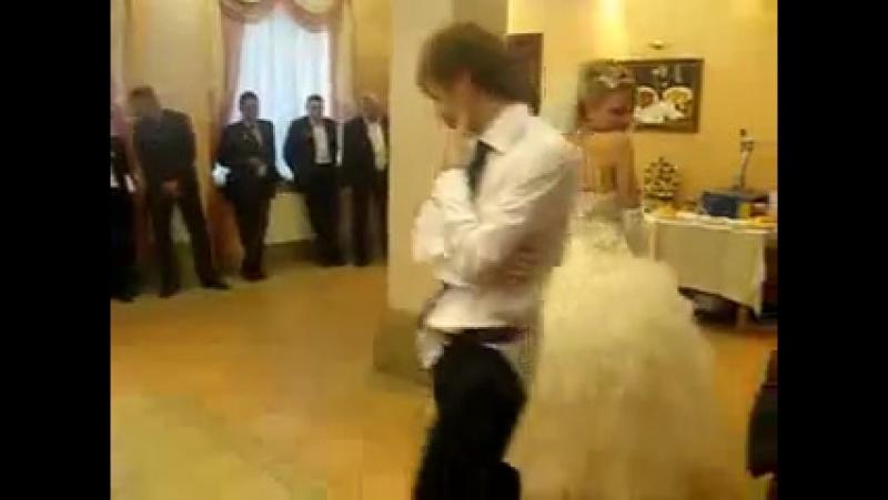 Перший танець)обовязково подивіться