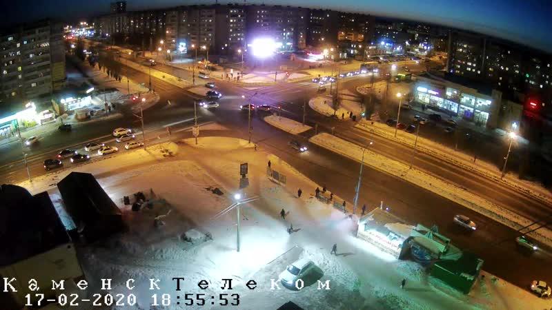 ДТП на коварном перекрестке Каменска - Суворова