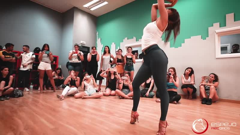 Natti Natasha Quien Sabe workshop Sara Panero Lady Style bachata dancing 2018