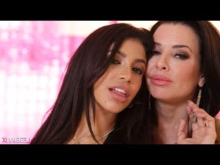 Veronica Avluv, Veronica Rodriguez - The Squirting Veronicas 11