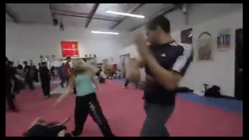 Эми Джонстон Красавица и каскадер Видео тренировки дублерши Черной вдовы