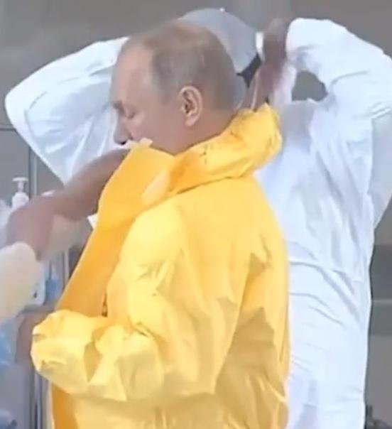 Владимир Путин посетил больницу в коммунарке. Цитируем его: - Не хочется употреблять вот этих вот военных выражений, но действительно все работают у вас, как часики, как хороший механизм