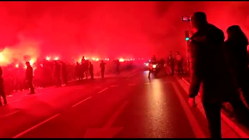 Фанаты «Атлетико» жгут