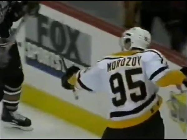 Alexei Morozov scores two goals in 7-3 win vs Capitals (1999)