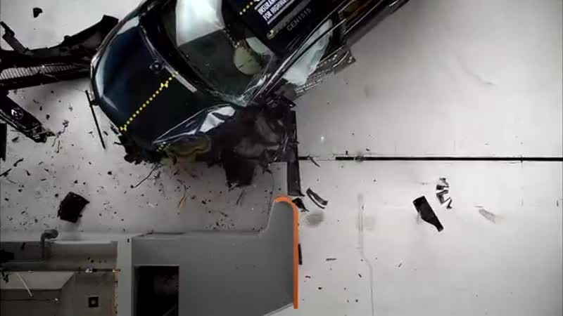2015 Nissan Murano driver side small overlap IIHS crash