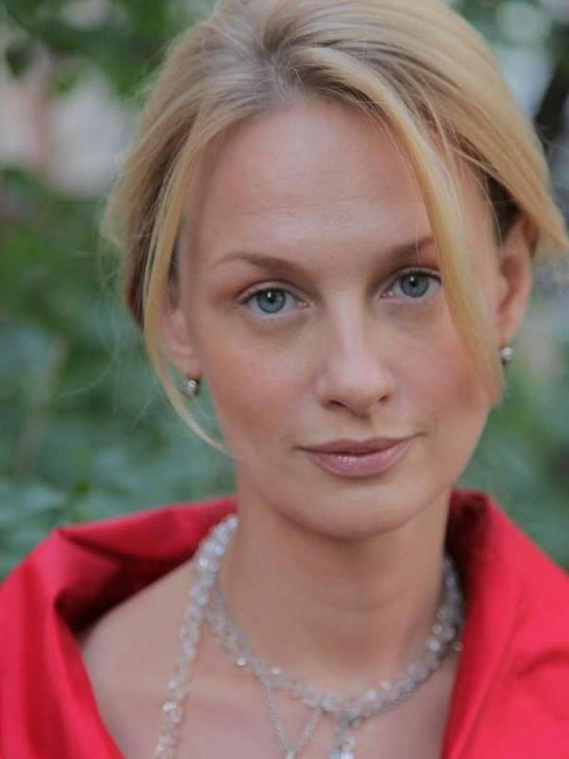 Сегодня свой день рождения отмечает Ромашина (Оррен) Юлиана Борисовна.
