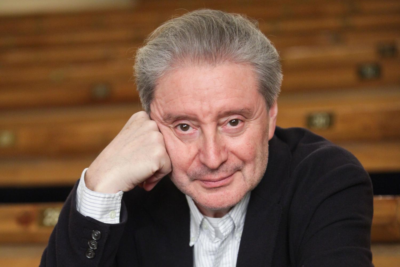 Сегодня день рождения отмечает Смехов Вениамин Борисович.