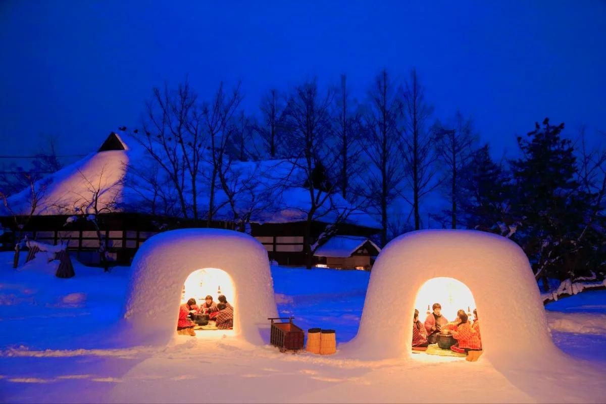В середине февраля в городе Йокотэ префектуры Акита проходит традиционный фестиваль Камакура.