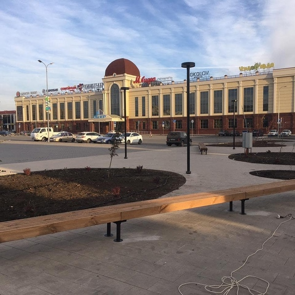 На улице Ленина испортили новые скамейки⠀На улице Ленина ...
