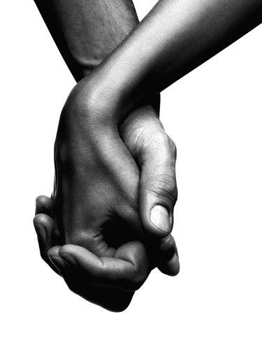 две руки пальцы переплетены картинка жизни современных людей