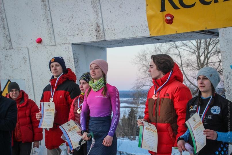 Главные отечественные ледолазные старты сезона финишировали в городе Кирове в минувшие выходные – чемпионат и первенство России по альпинизму. Всем было что доказывать и что терять…, изображение №81