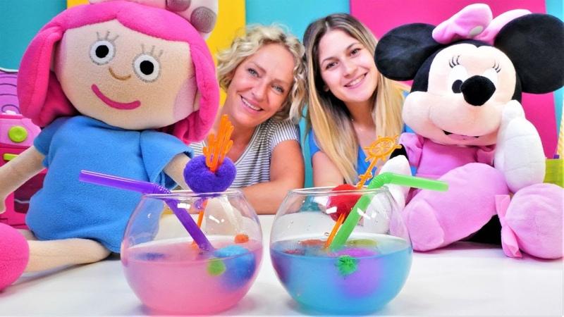 Oyuncak Kafe Smarta ve Minnie Mouse için meyve suyu yapıyoruz Yemek yapma oyunu