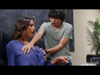 Brazzers - Sex on the Syllabus / Desiree Dulce