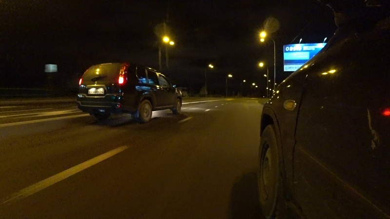 Хонда CR-V против Ниссан X-TRAiL . Офф роуд и стритрейсинг на паркетах .