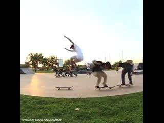 1хСтавка: Слишком крутой трюк от скейтеров